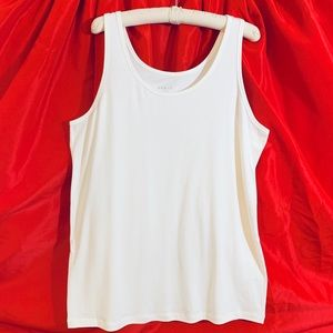 AVA & VIV  White Sleeveless Tank top  2X  NWOT